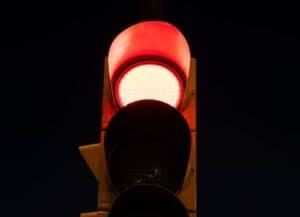 מעבר באור אדום